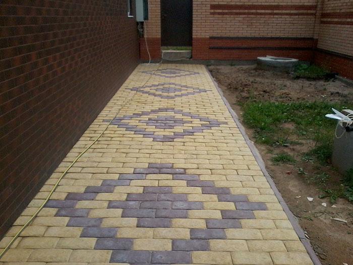 Дорожа выложенная тротуарной плиткой, английским булыжником двух цветов   заказать укладку, рисунок ромб компания Анкор тел.:+7(4932) 45-98-65